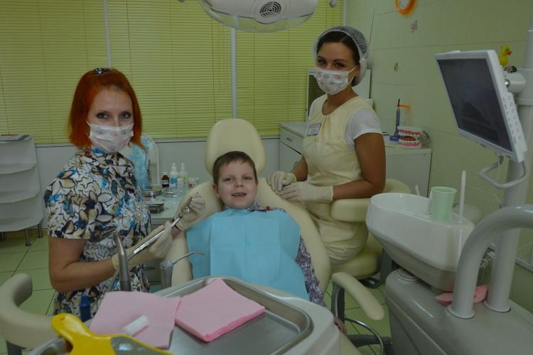 ginekolog-trahaet-skritaya-kamera