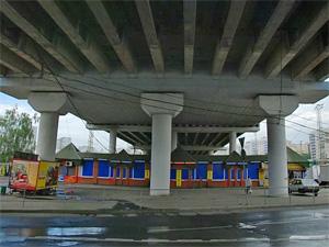 Власти проверят подозрительную контору под Крюковской эстакадой