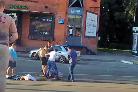 Участковый не нашел состава преступления в избиении лежачих людей у ночного клуба