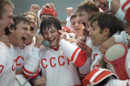 В «Ночь кино» зеленоградцам покажут «Легенду №17», «Батальонъ» и «Смешариков»