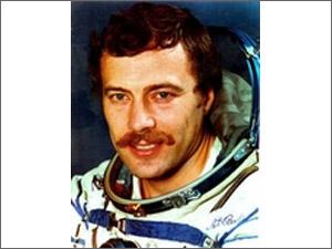 Соревнования парашютистов посетит космонавт