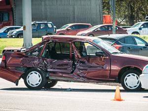 В аварии у Крюковской эстакады пострадала автомобилистка