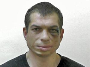 Пьяный угонщик врезался в стену жилого дома