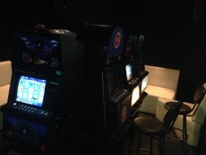 Полиция накрыла зал игровых автоматов в «клубной точке» в 3-м микрорайоне