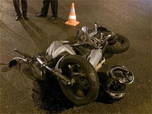 Мотоциклист и пассажирка пострадали в ДТП у «Березки»