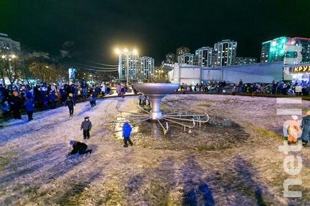 Фонтан на площади Юности украсят светящимися шарами