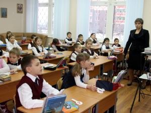 В опустевших на треть классах отменят занятия