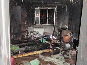 На пожаре в 14-м микрорайоне пострадал один человек