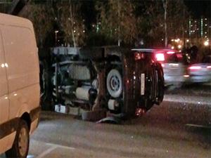 В ДТП с опрокинувшимся джипом пострадал водитель
