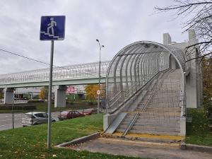 Надземный переход на Сосновой аллее откроют 1 ноября