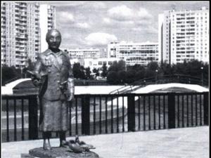 На бульваре в 15-м микрорайоне установят памятник разведчице-писательнице