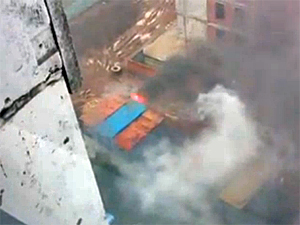 На стройке в 16-м микрорайоне сгорели бытовки