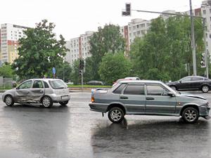 На Солнечной аллее разбились две машины