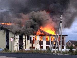 В Брехово сгорел большой частный дом