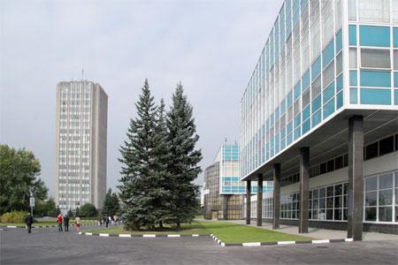 «Росэлектроника» ведет переговоры с «Микроном» о создании массового российского смартфона