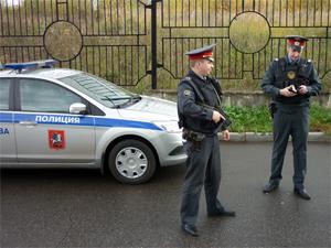 Подростки похитили три скутера и автомобиль