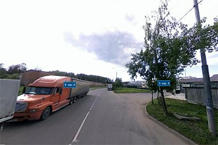 В Северной промзоне мужчину прижало грузовиком к другой машине