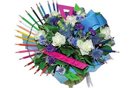 Маркет цветов «Розовые розы» подготовил цветы и букеты к 1 сентября
