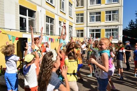 В Зеленограде полицейские провели акцию «Зарядка со стражем порядка»