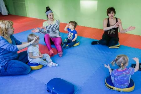 Клуб «Авокадо» приглашает малышей на веселую лого-гимнастику