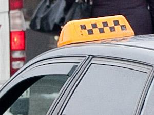 Пьяный клиент порезал таксиста