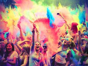 Фестиваль красок, пенная вечеринка, «Терминатор: Генезис», соревнования по мини-ралли, рыцарский турнир