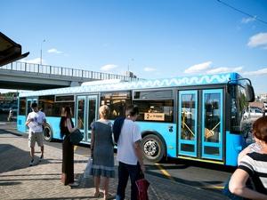 Все зеленоградские автобусы постепенно перекрасят в голубой цвет