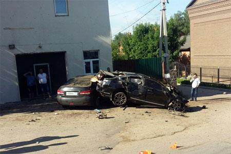 Автомобилист разбился на Пятницком шоссе в Благовещенке