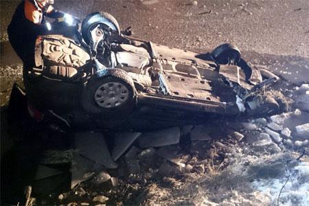 Автомобиль упал в пруд напротив 16-го микрорайона