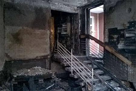 В корпусе 1121 сгорел подъезд