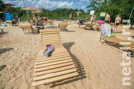 На пляже Черного озера установят камеры хранения и повторно заменят песок