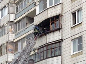 В 14-м микрорайоне сгорел балкон квартиры