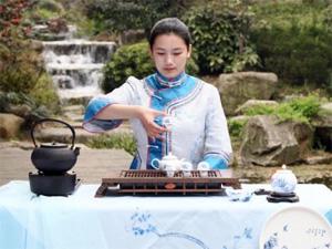 Зеленоградцев приобщат к таинству чайной церемонии