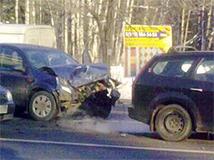 На перекрестке у Ржавок столкнулось несколько машин