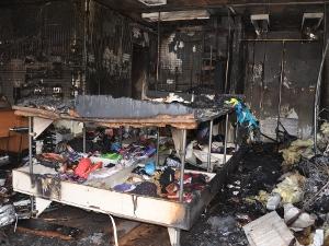 На пожаре в магазине одежды погибла женщина