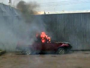 В 14-м микрорайоне сгорел автомобиль