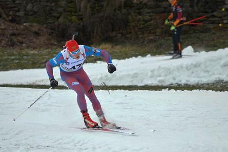 Матвей Елисеев выиграл три медали за три дня и возглавил общий зачет Кубка IBU
