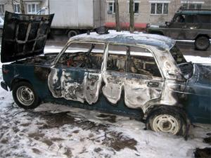 Причиной автопожара в 19-м микрорайоне предположительно стал поджог
