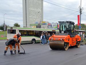 Москвичам предложили ремонтировать дороги за свой счет