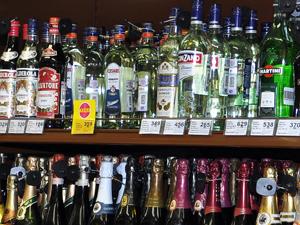 Перед Новым годом в супермаркетах участились кражи алкоголя и конфет