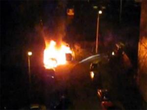 В 18-м микрорайоне сгорели два «Мерседеса»
