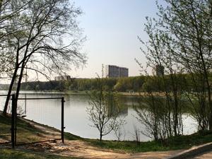 В Школьном озере утонул мужчина