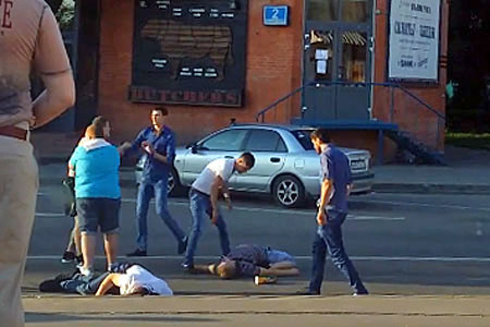 Два человека попали в реанимацию после драки на Яблоневой аллее