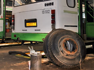 Автоинспекторы выявили почти 80 неисправных автобусов