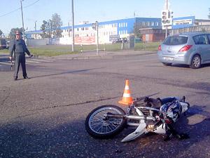 Мотоциклист столкнулся с «Газелью» у «Березки»