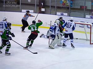 ХК «Зеленоград» дважды обыграл лидера и вышел в плей-офф