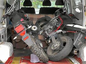 Полицейские задержали фургон с крадеными мотоциклами