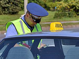 Пьяному таксисту дали год условно за нападение на автоинспектора