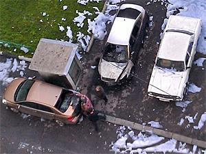 В 1-м микрорайоне сожгли две машины