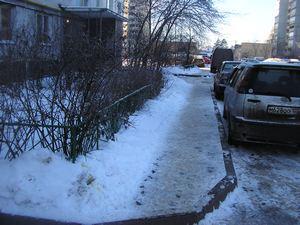 Коммунальщиков из Голубого и Брехово оштрафовали за нечищенные тротуары